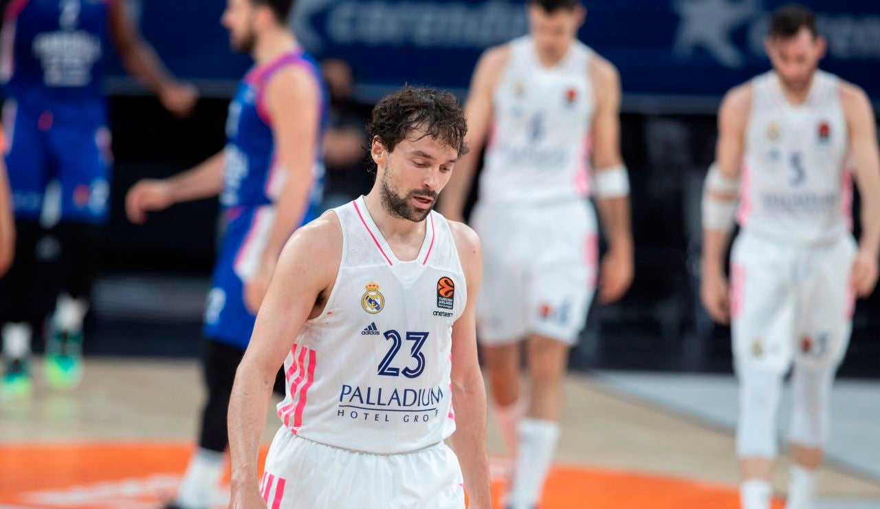 El Real Madrid, eliminado de la Euroliga tras caer en el quinto partido ante el Anadolu Efes