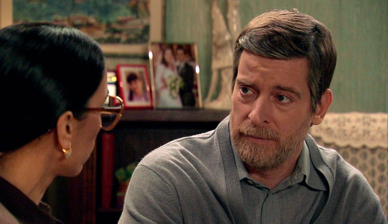 Marcelino cambia drásticamente de opinión y le ofrece todo su apoyo a Manolita para contar la verdad