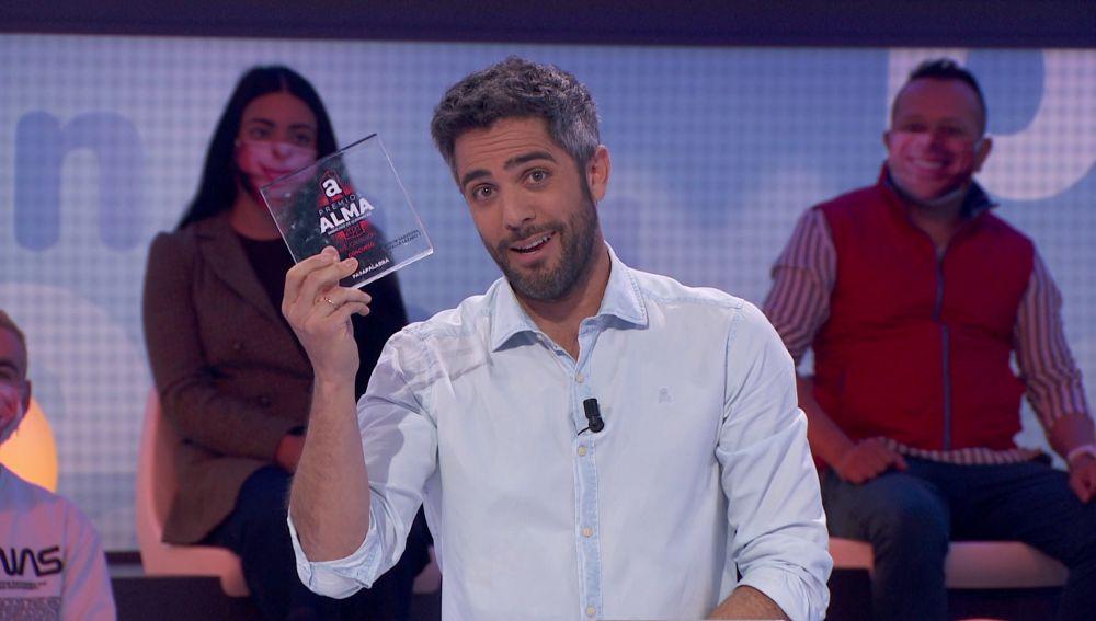 """El equipo de guion de 'Pasapalabra' recibe el premio ALMA: """"Orgullosos de vosotros"""""""