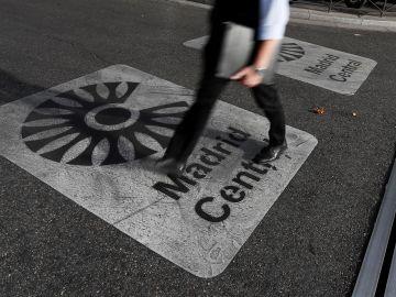 Vista de una señal que marca la entrada a Madrid Central