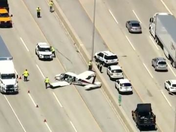 Aterrizaje de avioneta en autopista de Chicago