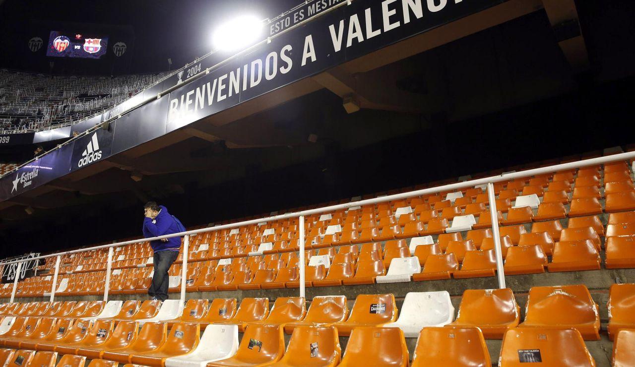 Mestalla ya se prepara para recibir a 5.000 aficionados en la vuelta del público a varios estadios de la Liga
