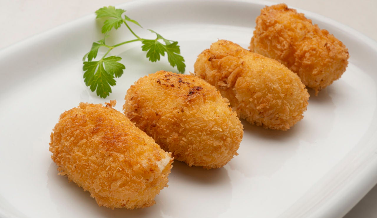 """""""Un clásico de la cocina española"""": croquetas de queso manchego, de Karlos Arguiñano"""