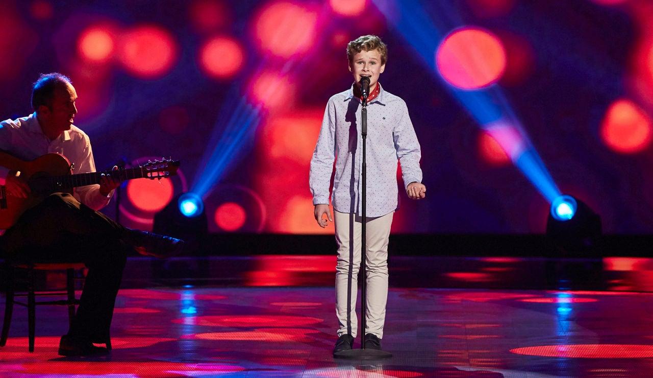 Rafael Velázquez canta 'Que no daría yo' en las Audiciones a ciegas