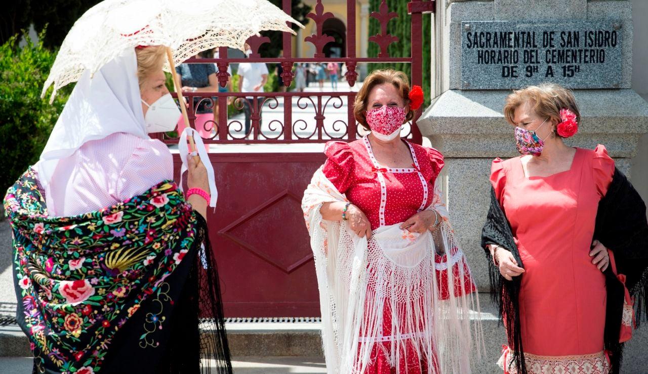 Personas celebrando San Isidro en Madrid