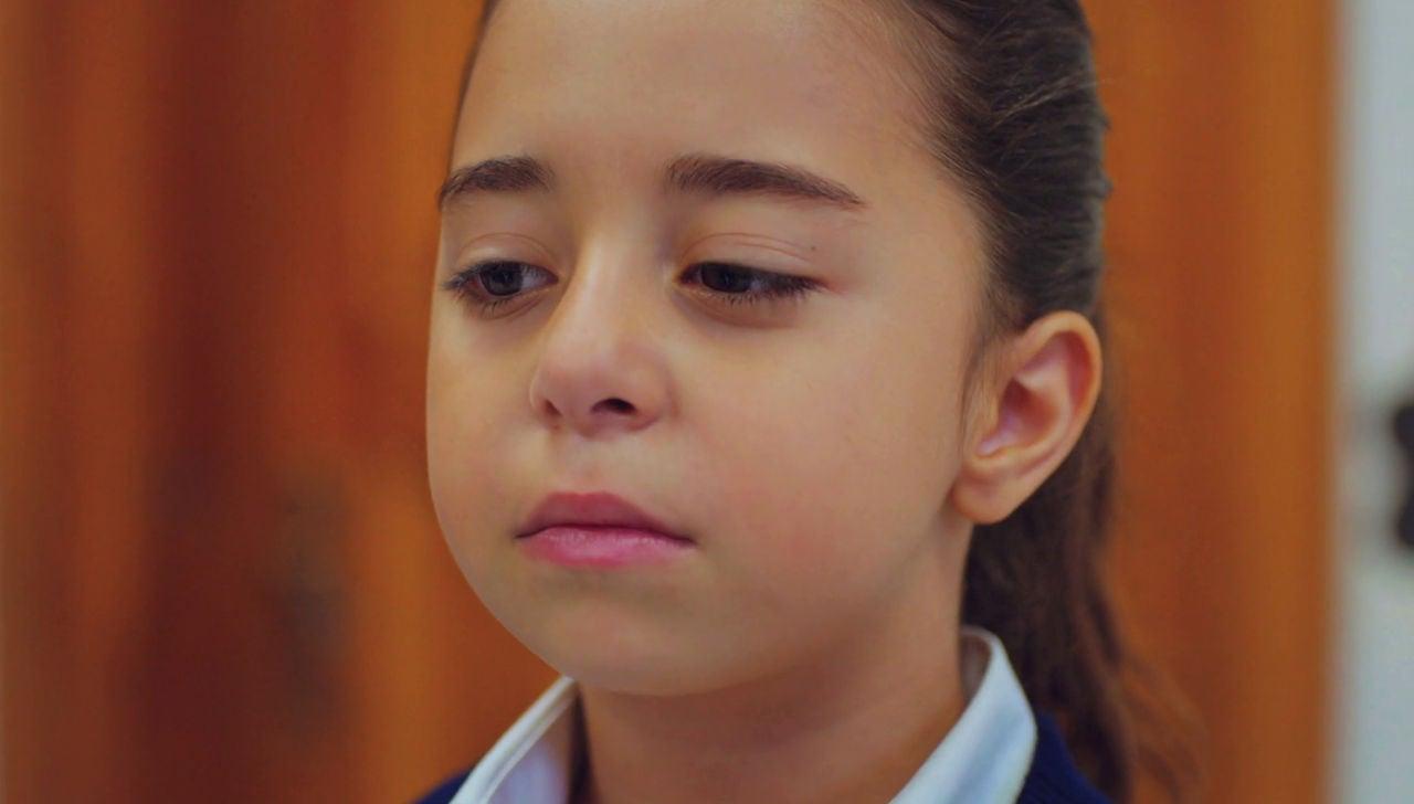 Niemann-Pick: así es la enfermedad rara que Öykü ha dado visibilidad en 'Mi hija'