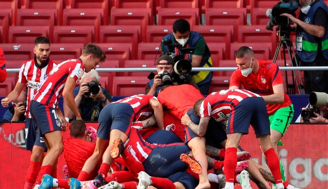 El Atlético y el Real Madrid ganan y la Liga Santander se decidirá en la última jornada