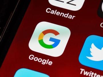 Alertan de un nuevo virus que se hace pasar por Google Chrome y secuestra tus datos bancarios