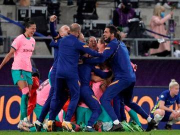 El Barcelona femenino gana la primera Champions de su hiistoria tras golear al Chelsea en la final