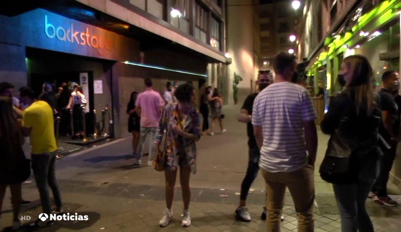 Antena 3 Noticias acompaña a un dispositivo policial en Granada durante la madrugada