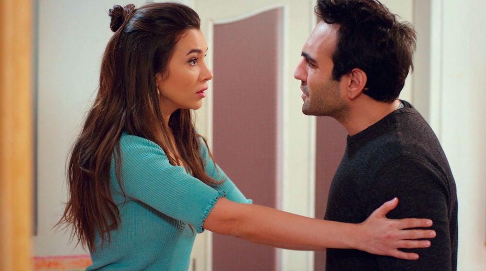 Demir, movido por un ataque de celos, discute con Candan por la demente propuesta de Murat
