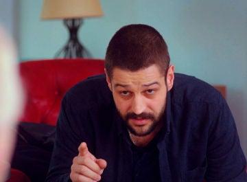 """Cemal retiene a Zeynep para llevar a cabo su plan: """"Voy a quitarle la custodia a Demir"""""""