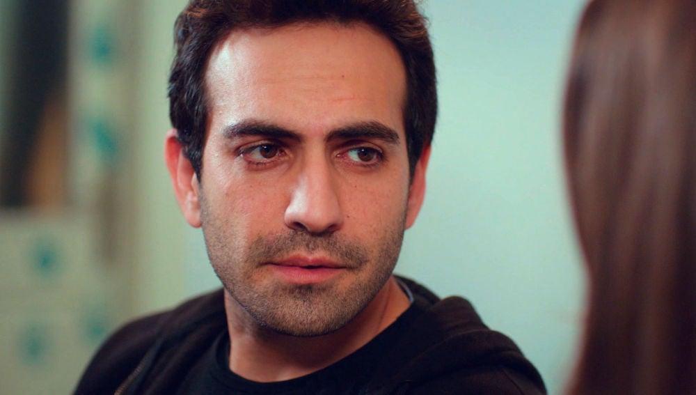 """Demir se sincera con Candan: """"Eres muy importante para nosotros, ojalá estuvieras siempre"""""""