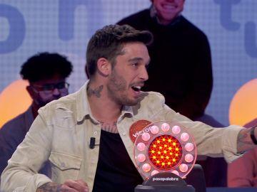 "Víctor Elías se atreve a cantar para ganar a Willy Bárcenas: ""Otro mes que no cobro"""