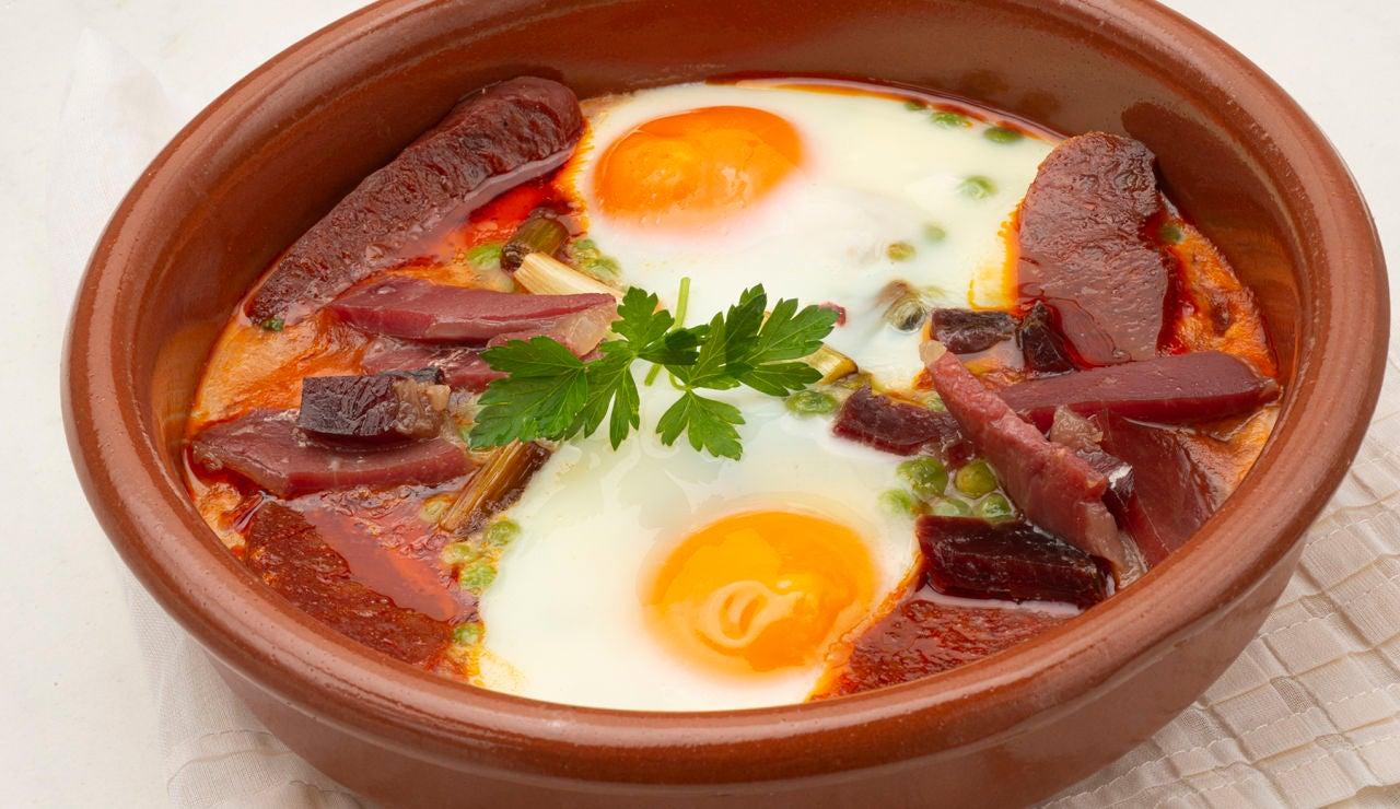 """Receta de huevos al plato con guisantes, de Karlos Arguiñano: """"Les encanta a los niños"""""""