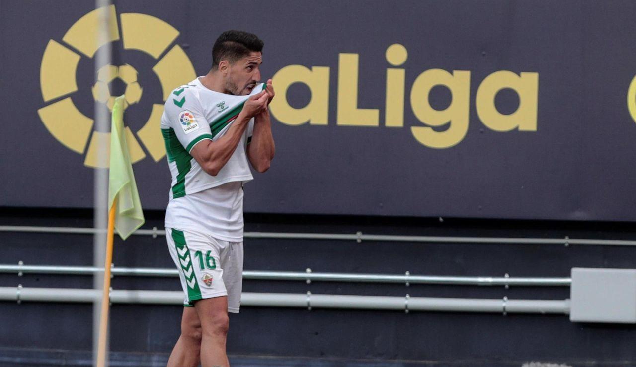 La calculadora del descenso: las cuentas de Huesca, Elche y Valladolid para lograr la permanencia en la Liga