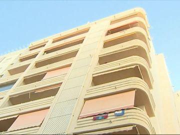 Una joven muere tras precipitarse por un balcón en Marbella cuando se hacía un selfie