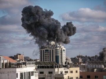 La escalada de violencia entre Israel y Hamás atraviesa su jornada más sangrienta en Gaza