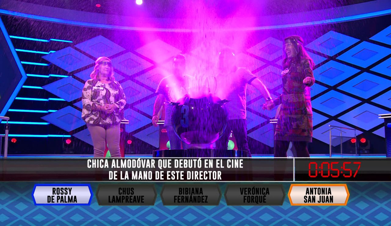 Almodóvar y sus actrices hacen explotar la tercera bomba de 'Libérrimos'