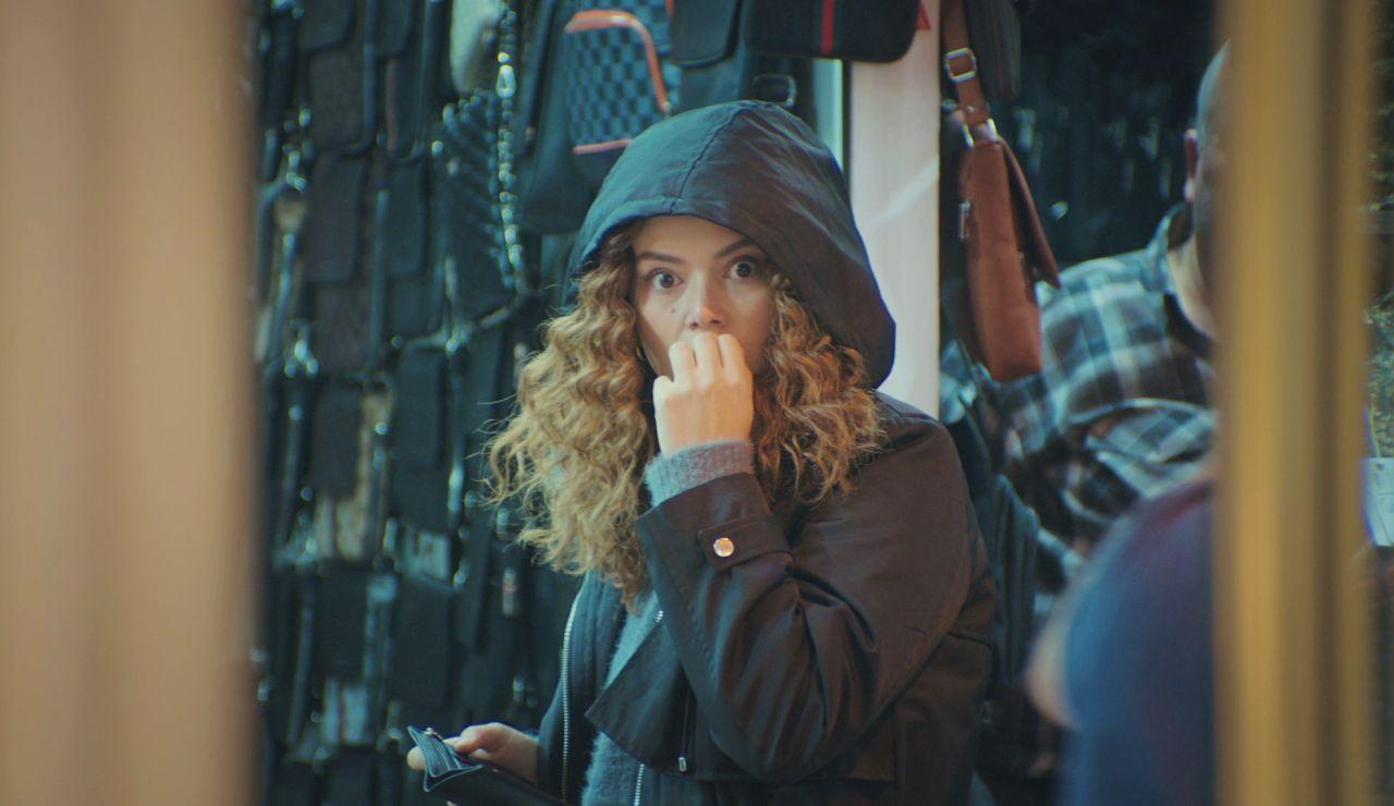 El inquietante descubrimiento de Sirin tras espiar a Bahar y Bersan en 'Mujer'