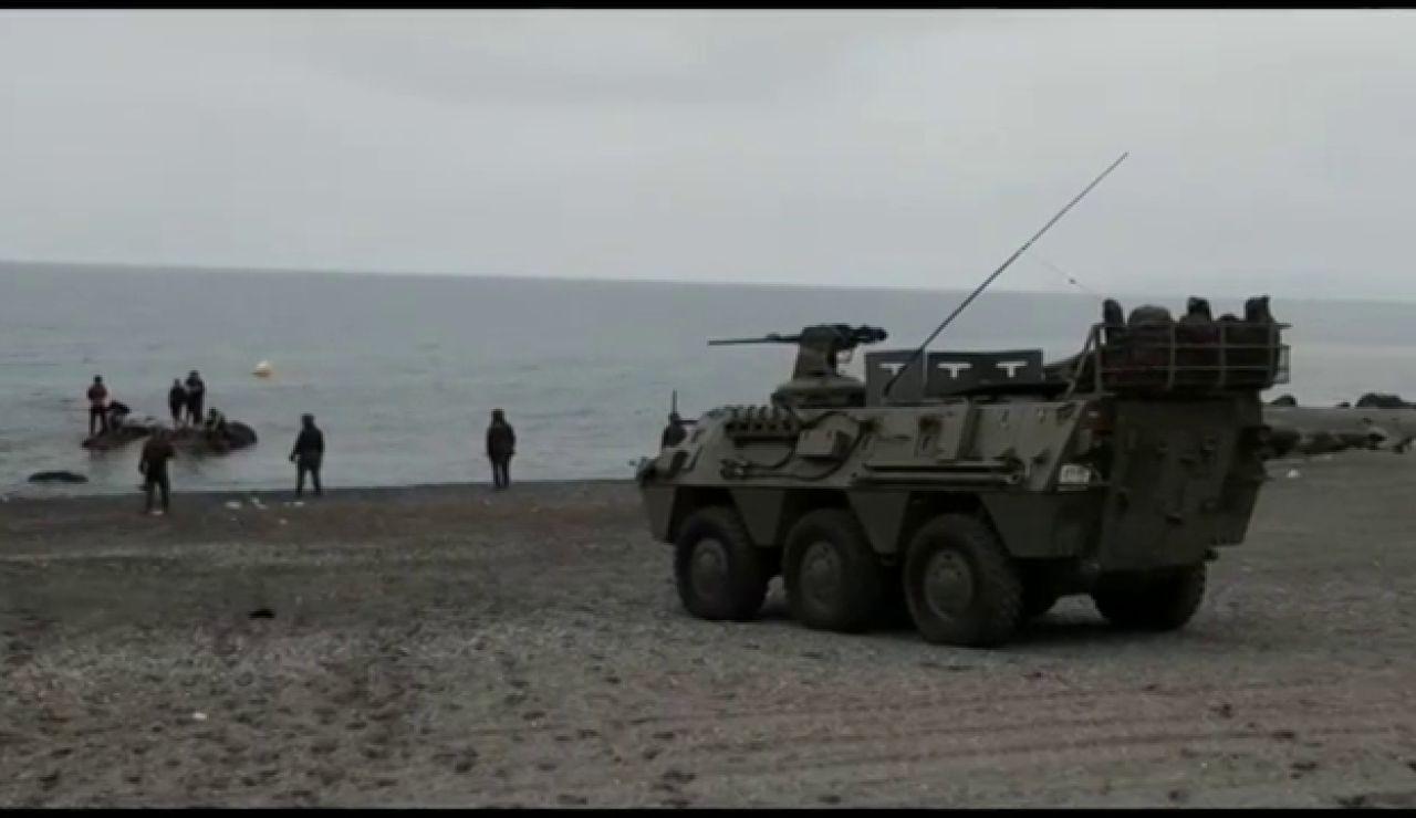Así se despliega el Ejército español en la playa de El Tarajal en Ceuta para frenar la entrada de inmigrantes