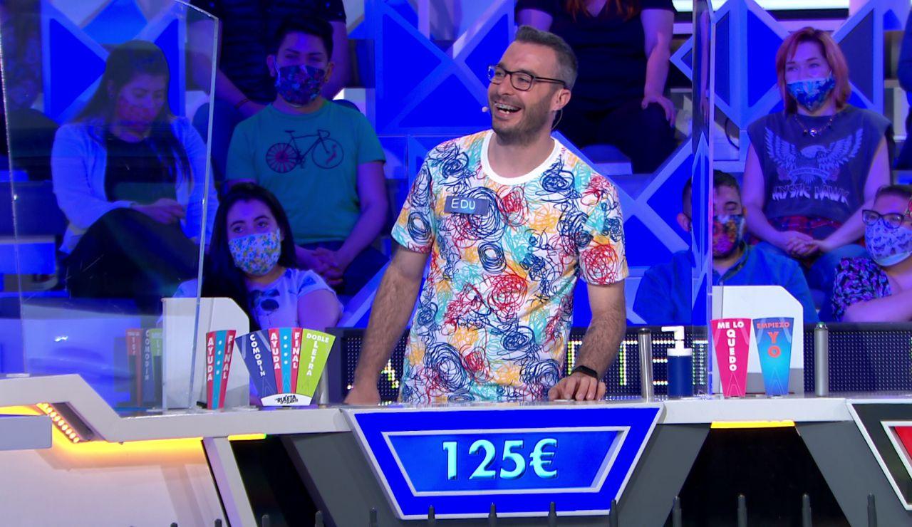 Jorge Fernández intenta picar a un concursante… ¡y surte efecto!