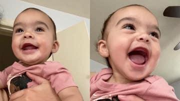 Bebé riéndose