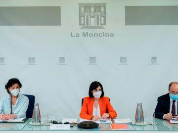 Isabel Celáa, Carolina Darias y Miquel Iceta