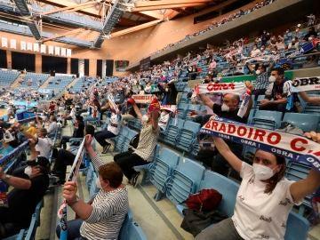 El público regresa a la ACB más de un año después durante el Monbus Obradoiro - UCAM Murcia