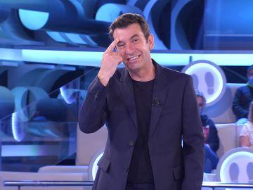 'Ciérrame el agujerito', la hilarante canción de Lolo dedicada a Arturo Valls en '¡Ahora caigo!'