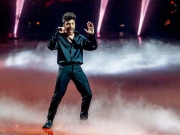 Blas Cantó en Eurovisión 2021 cantando 'Voy a quedarme'
