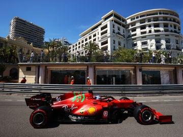 Leclerc se lleva la pole en el GP de Mónaco, Sainz saldrá 4º y Alonso, 17º