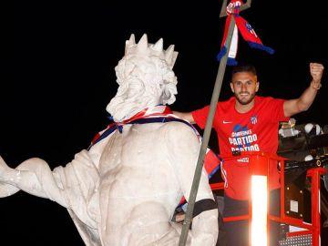 Así fue la fiesta de los jugadores del Atlético de Madrid en Neptuno y en el Cerro del Espino tras ganar la Liga