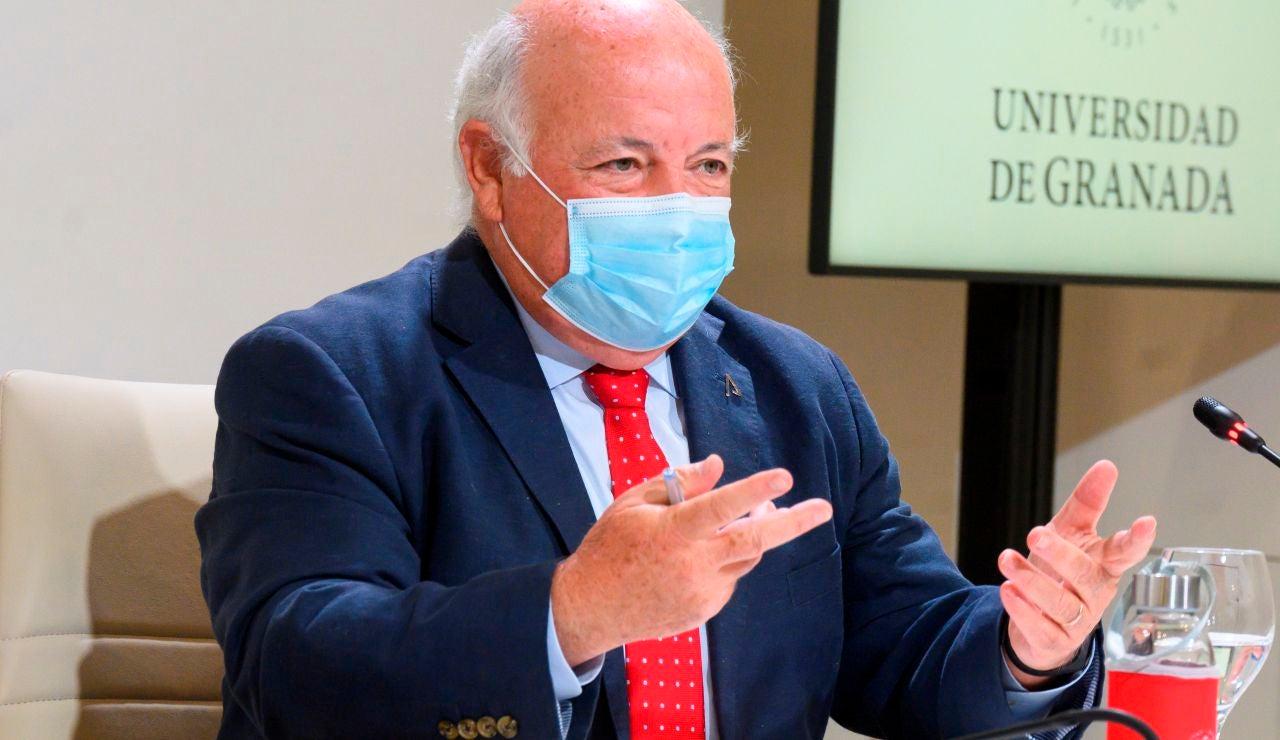 El consejero de Salud, Jesús Aguirre,