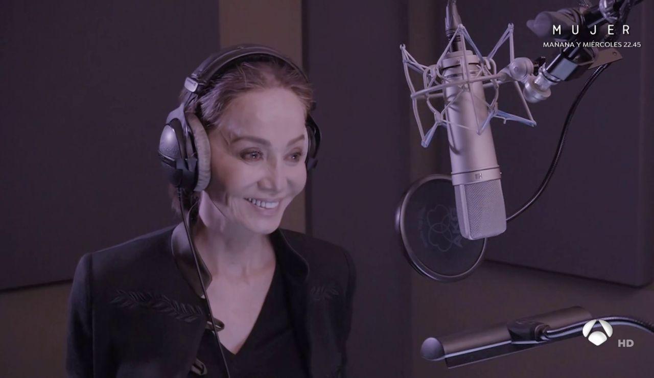 """Isabel Preysler se estrena en un estudio de grabación: """"Acertamos de pleno con la canción"""""""