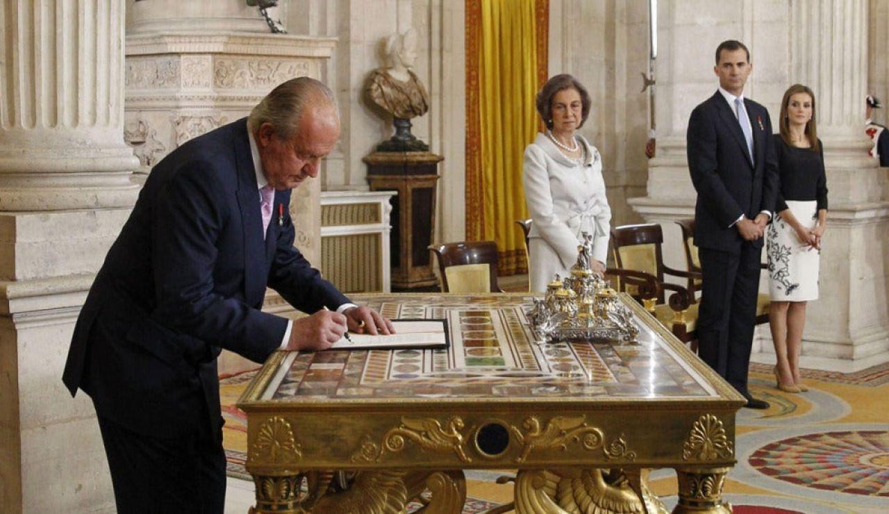Efemérides de hoy 2 de junio de 2021: Juan Carlos I abdica
