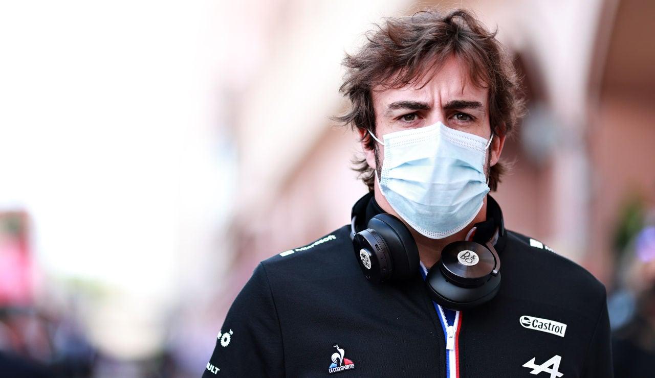 """Fernando Alonso confía en las mejoras del Alpine en Bakú: """"Es bonito tener una carrera en la que haya más opciones"""""""