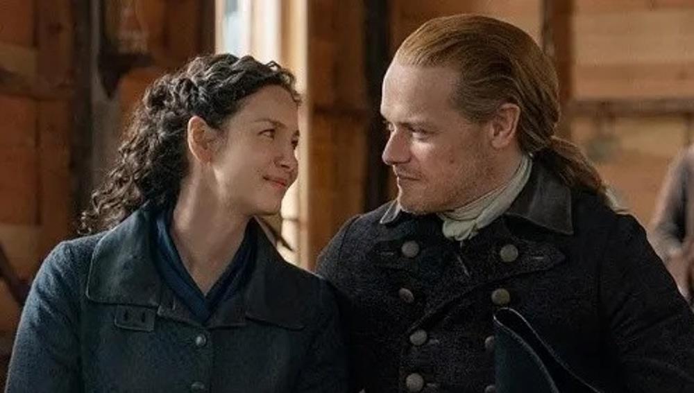 Caitriona Balfe y Sam Heughan como Claire y Jamie Fraser