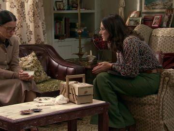 Cristina le pide algo imposible para Manolita