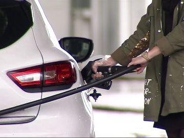 El precio del carburante sigue subiendo y llenar el depósito es un 24% más caro que hace un año