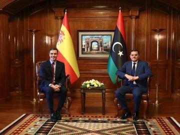 El presidente del Gobierno español, Pedro Sánchez, durante la reunión mantenida con el primer ministro del Gobierno de Unidad Nacional de Libia, Abdelhamid Dbeibah, con motivo de su visita a Trípoli