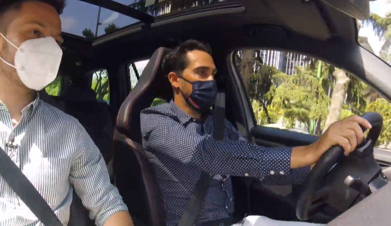 El sistema de seguridad en los coches para proteger a los ciclistas que nos enseña Alberto Contador