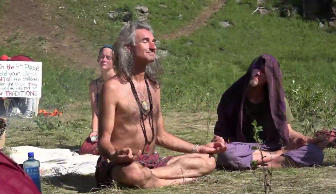 El Gobierno de La Rioja estudia desalojar un campamento nudista hippie de unas 200 personas