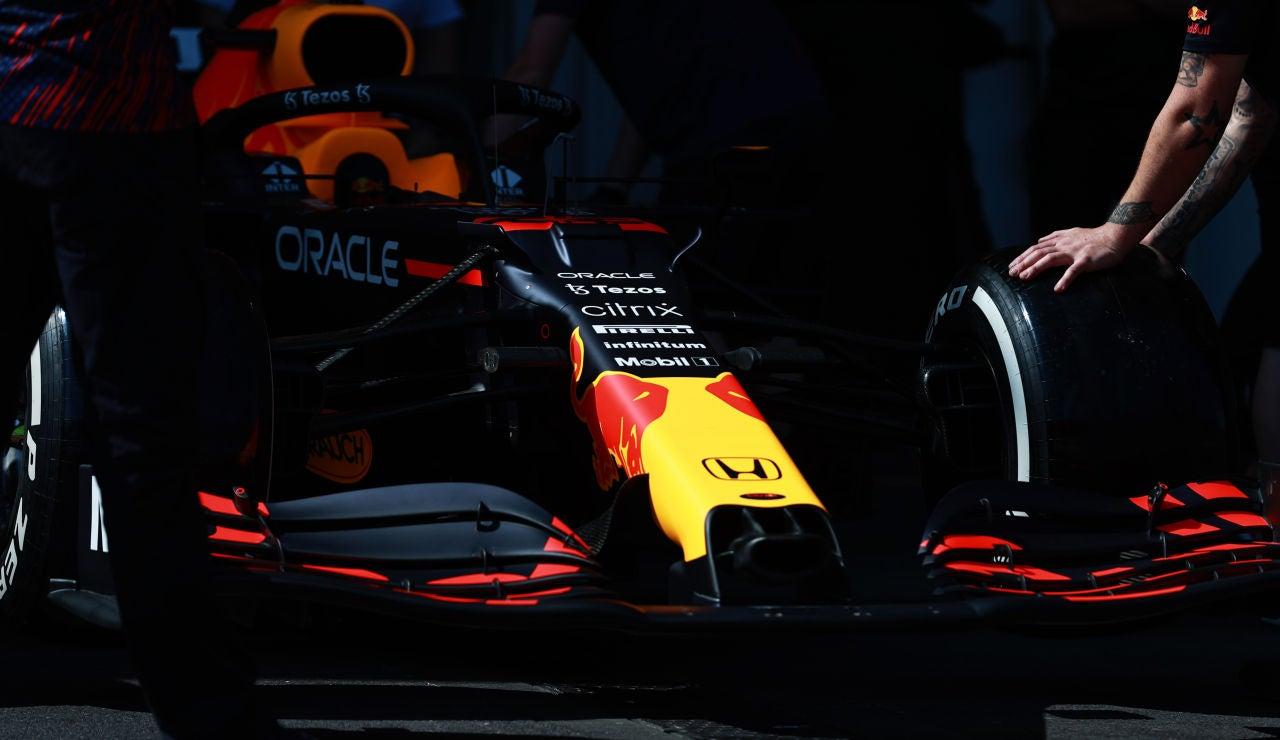 Verstappen lidera los primeros libres en el GP de Azerbaiyán con Sainz 3º y Alonso 9º