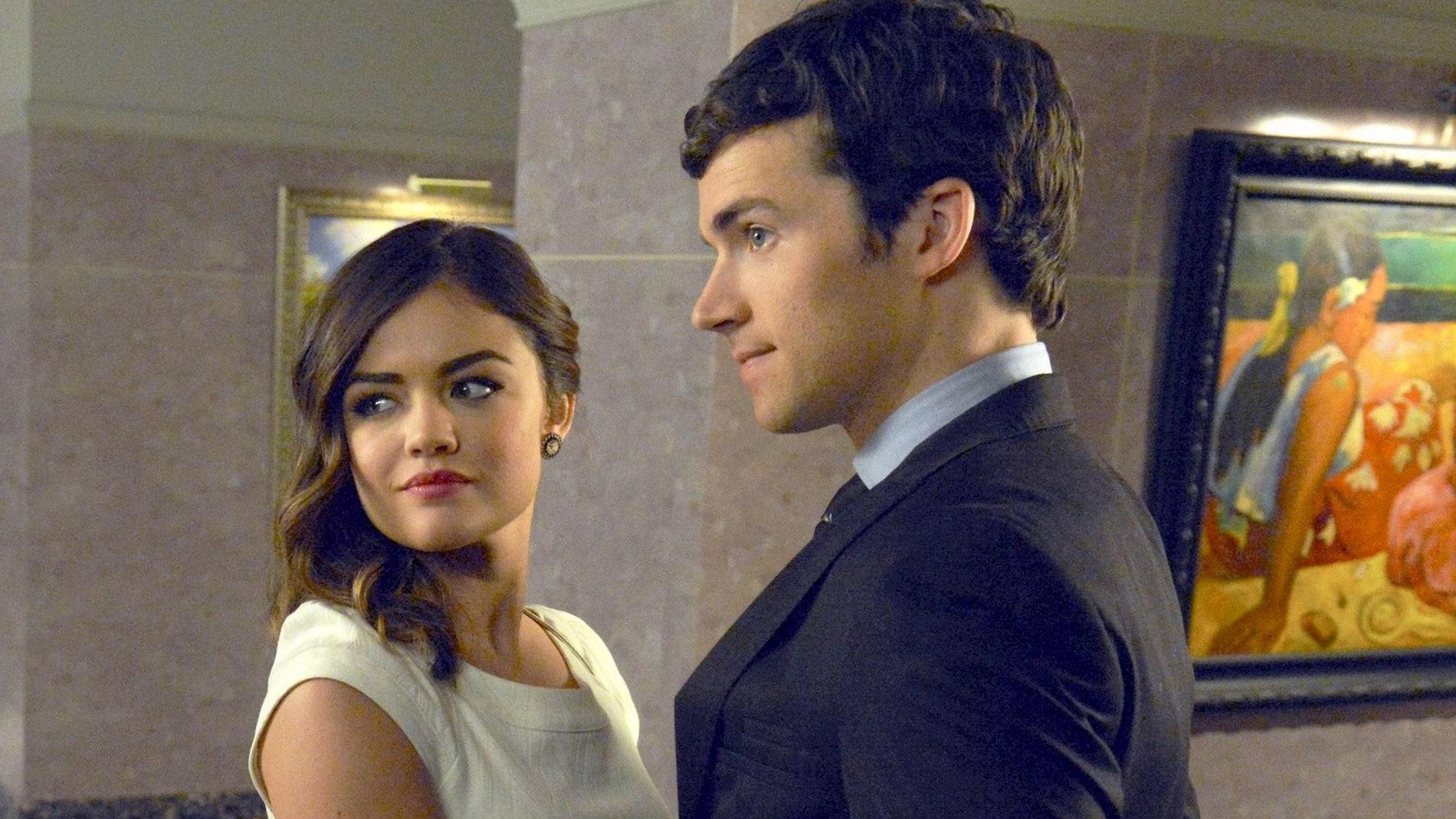 Ezra y Aria en 'Pretty Little Liars'
