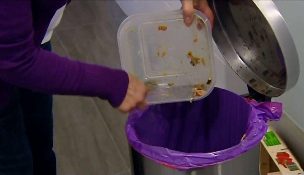 Tirar comida a la basura es una de las principales causas de dañar el planeta