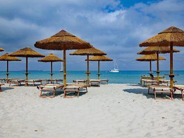 Multan a más de 40 personas con 3.000 euros en Cerdeña por robar arena de la playa