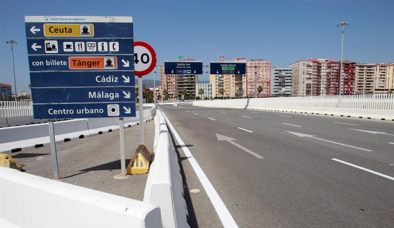 Acceso al puerto de Algeciras (Cádiz) sin tráfico