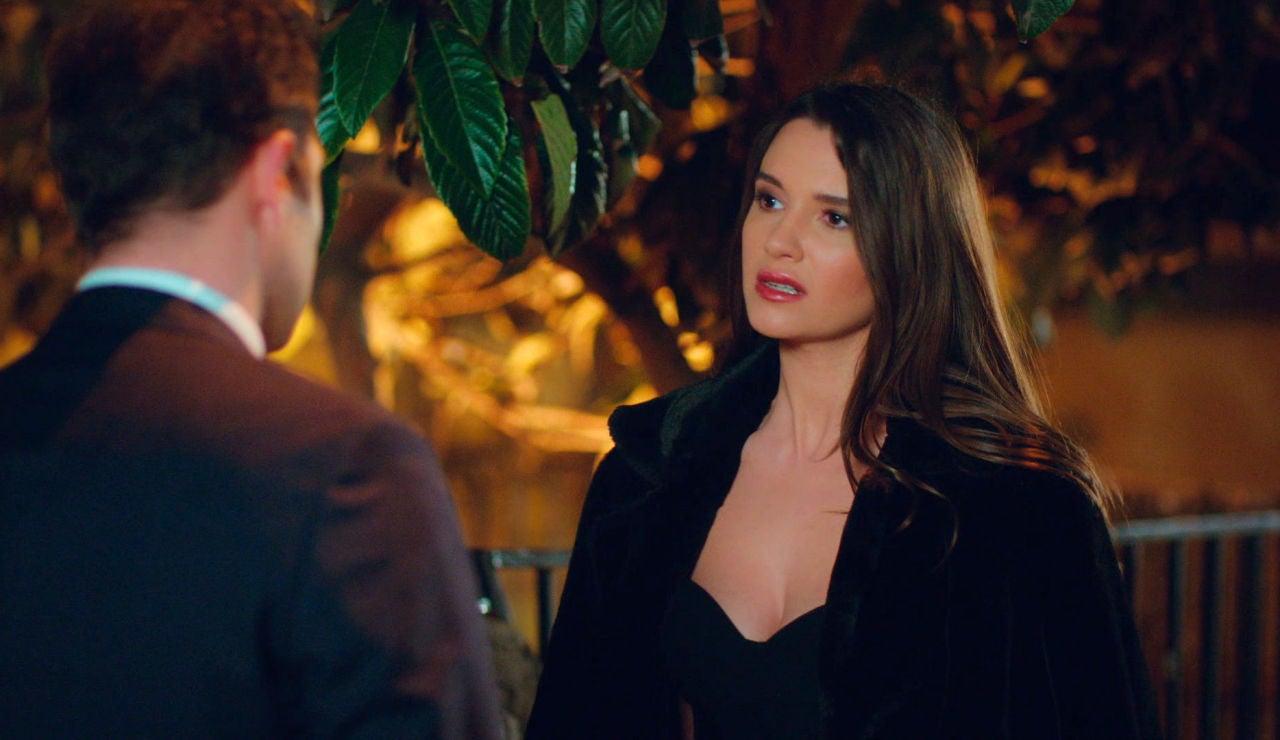 Murat consigue su objetivo: una cita con Candan y provocar celos en Demir