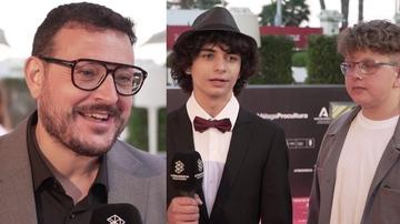 Dani de la Torre y los actores de 'Live is life'